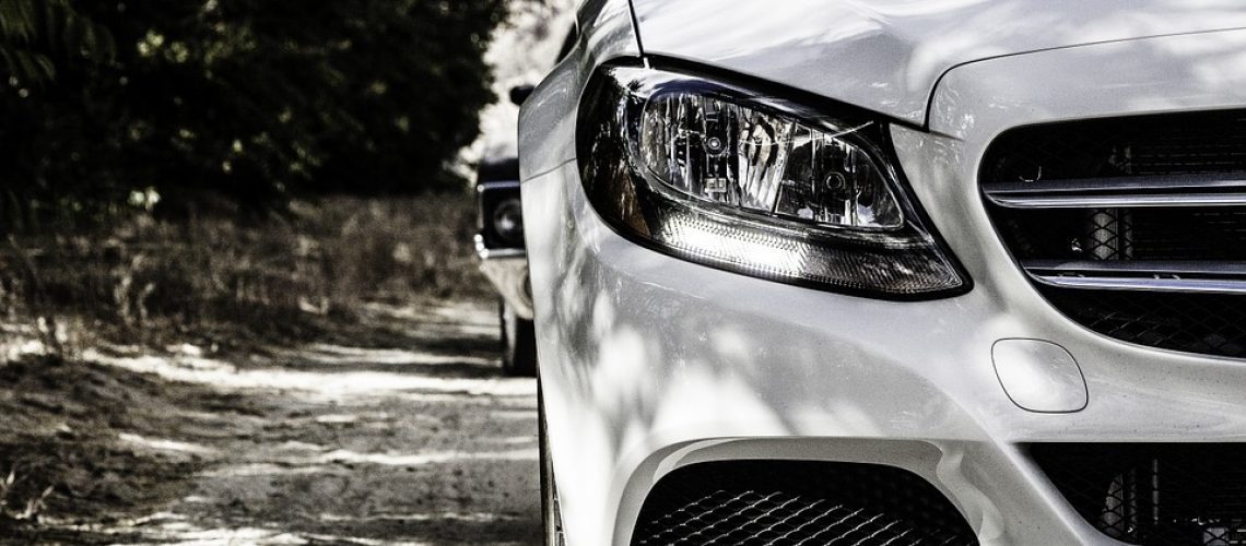 השחרת חלונות לרכב: כדאי להכיר